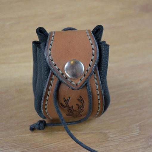 Bourse en cuir cerf celtique médiévale viking ouverte Masoni Maroquinerie 2