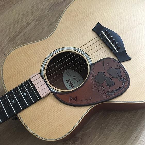 Pickguard pour guitare acoustique en cuir