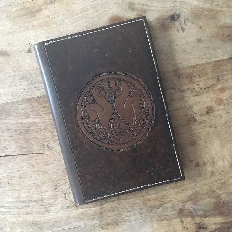 couvre livre en cuir masoni maroquinerie
